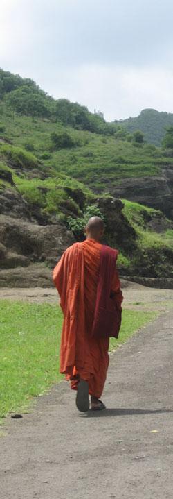 インドの仏教僧