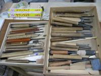 たくさんの彫刻刀