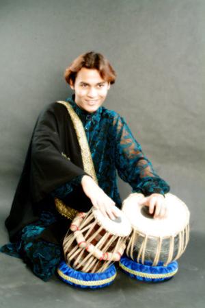 タブラ奏者 アリフ・カーン