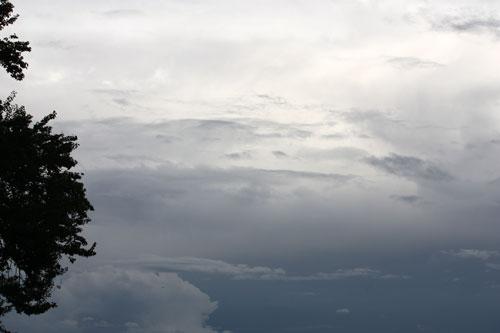 梅雨の空2