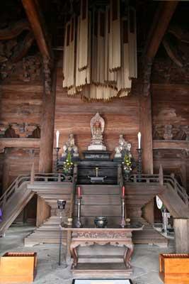 仏殿の内部