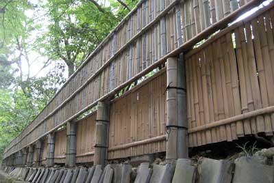 竹がこんな風に組まれています
