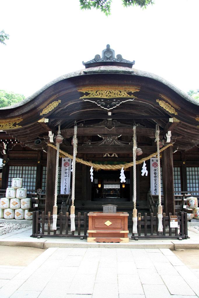 武田神社本殿